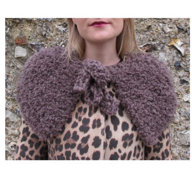 Erika Knight Einzelanleitungen/Patterns Vintage Wool und Fur Wool 25 Kuschelumhang Deutsch Fur Wool
