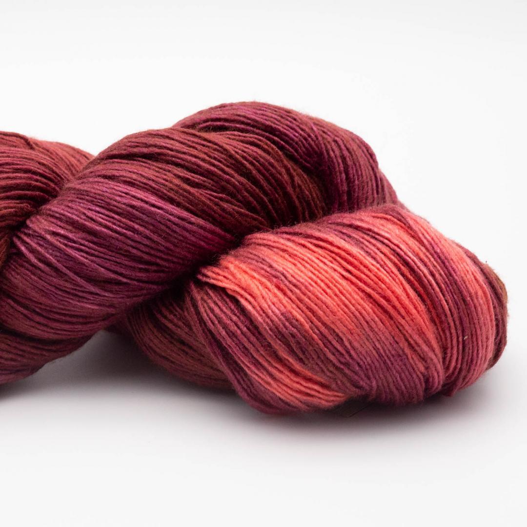 Manos del Uruguay Silk Blend fino handgefärbt 100g GBrooch411