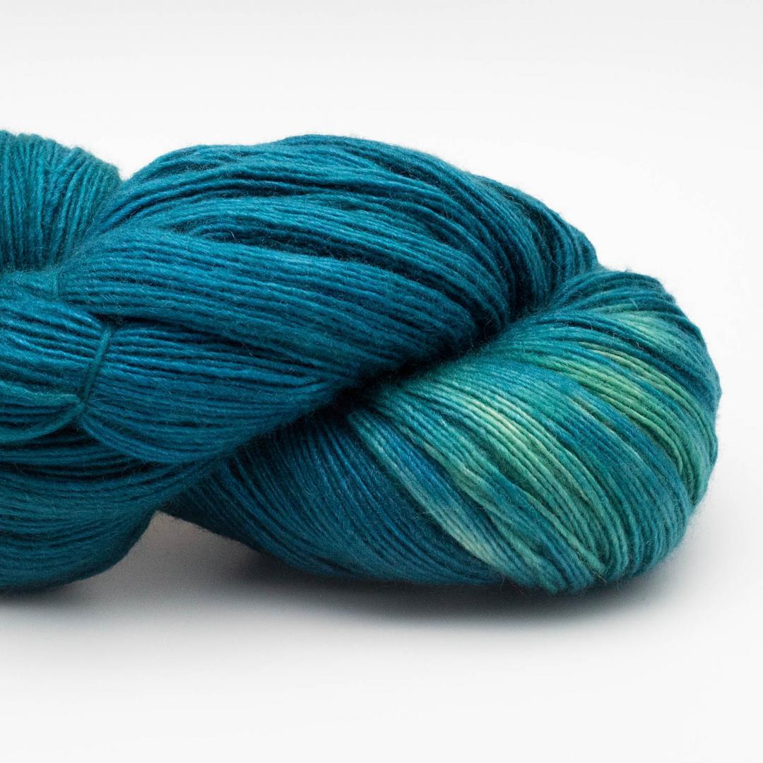 Manos del Uruguay Silk Blend fino handgefärbt 100g PeacockP405